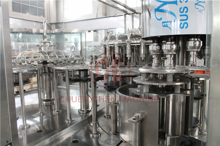 Plastic Aqua Minaerl Water / Liquor /  Fruit Filling Machine , Juice Bottling Machine